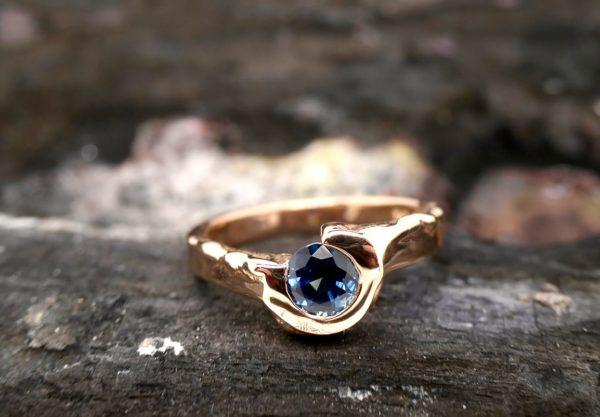 Ring Gold Safir
