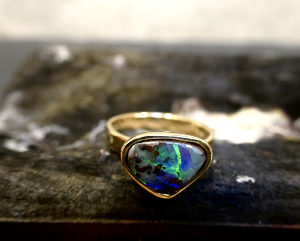 Ring Gold Opal