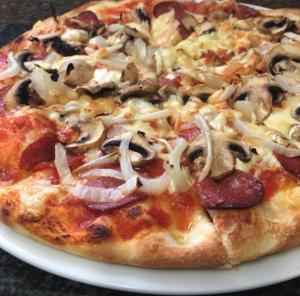 Pizzeria Triangolo_Pizzeria_Triangolo-15-1-300x296